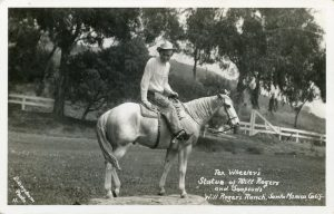 Tex_Wheeler's_Statue_of_Will_Rogers_and_Soapspuds_Will_Roger's_Ranch_Santa_Monica_Calif